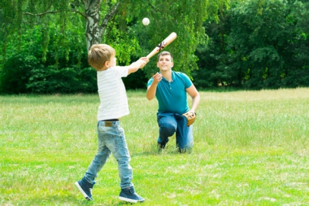 How to Find the Perfect Baseball Bat for Your Child